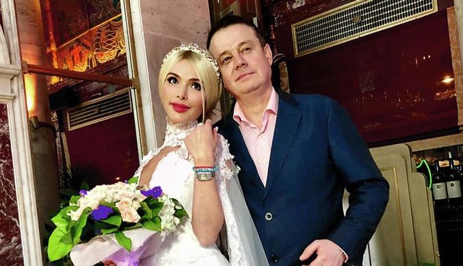 Алена Кравец сыграла свадьбу с избившим ее бывшим мужем