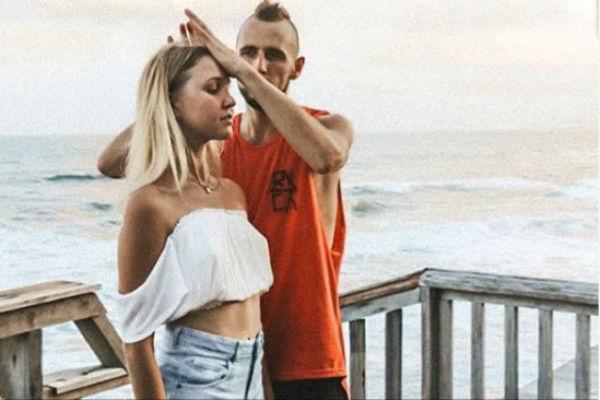 Настя и Виктор встречались около двух месяцев