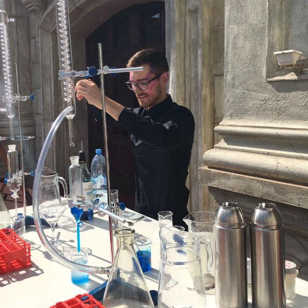 Гостей угостят блюдами молекулярной кухни