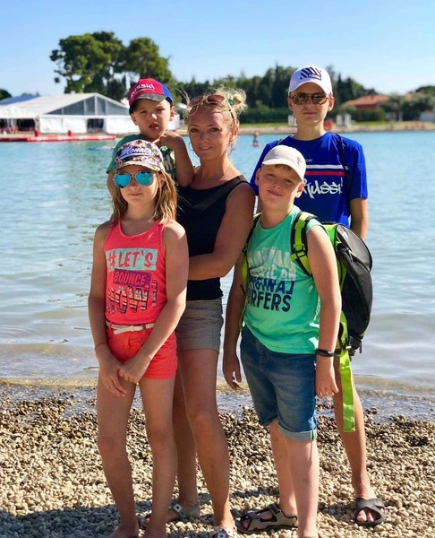 Светлана одна воспитывает четверых детей