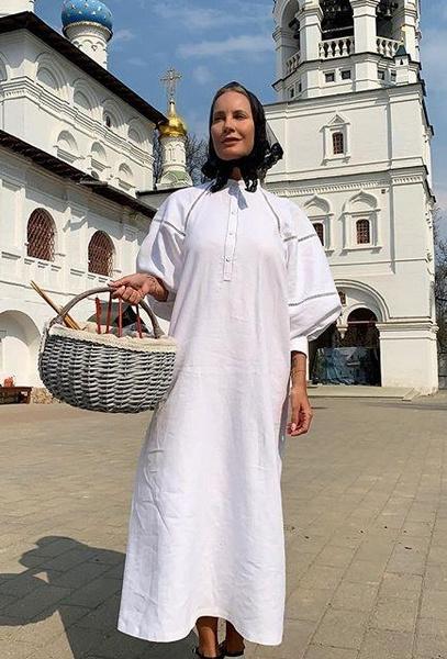 Елена Летучая отметила Пасху