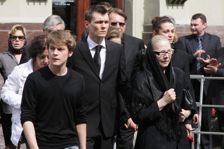 Олег Иванович был очень близок с членами семьи, и его смерть стала ударом для каждого родственника