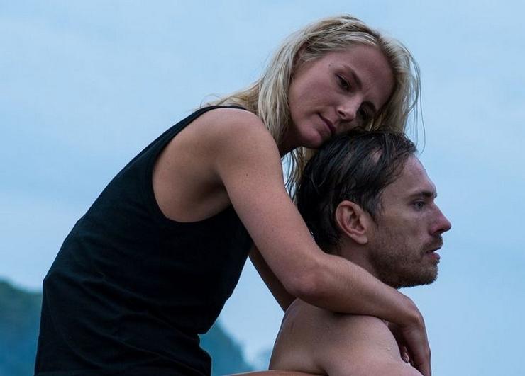 Главные роли в сериале исполнили Линда Лапиниш и Александр Горбатов.