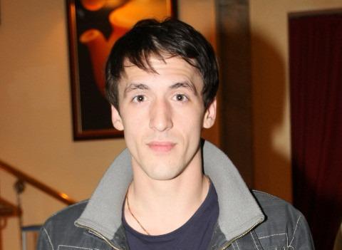 Артур Смольянинов показал подросшего младшего сына