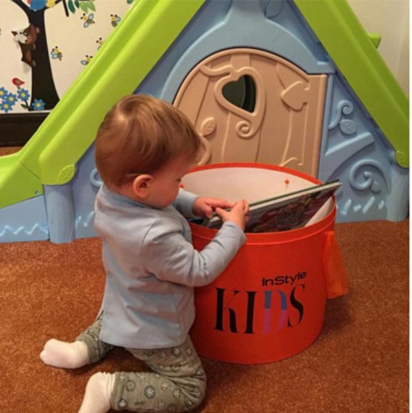 Младший сын актрисы Максим проявляет интерес к книгам