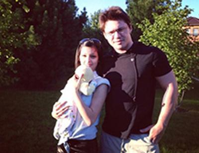 Солист группы «Корни» Алексей Кабанов показал маленькую дочь
