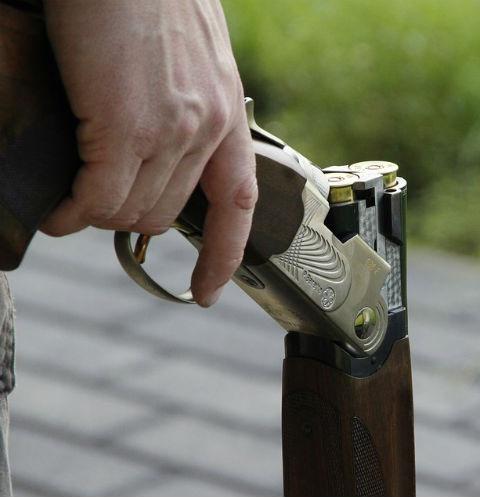 Общество: Расстрелявший соседей в Тверской области заключен под стражу – фото №1