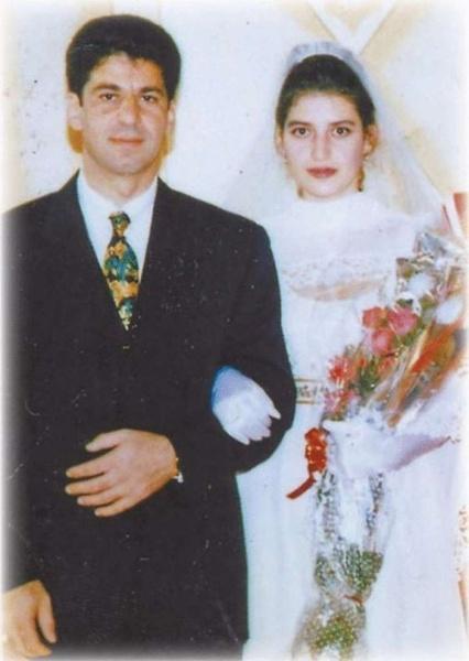 Первый муж избивал, а второго объявили в международный розыск. Как Жасмин «переписала любовь»
