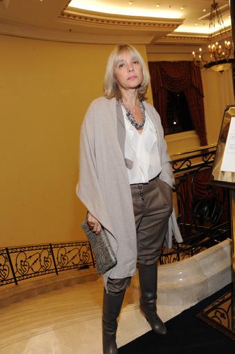 Изредка актриса посещала модные показы