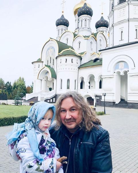 Игорь Николаев проводит все свободное время с маленькой дочерью