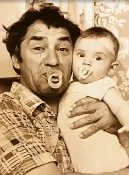 Карина Мишулина шла на аборт вместе с отцом: «У нас не было секретов друг от друга»
