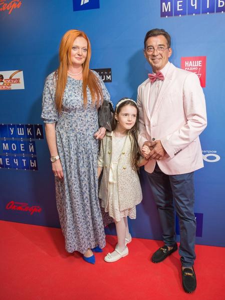 Актеру редко удается проводить много времени с женой и дочерью