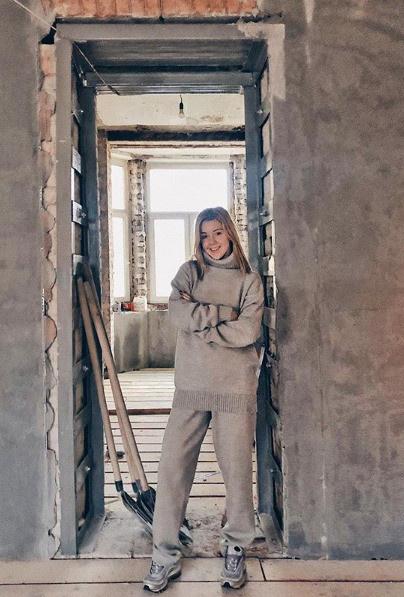 Юлианна Караулова в самом начале ремонта