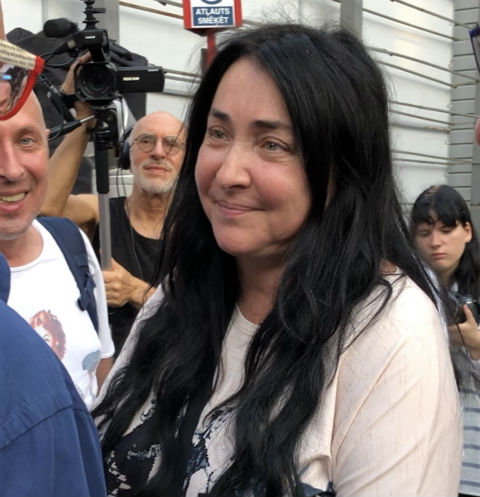 Лолита активно общалась с журналистами на фестивале