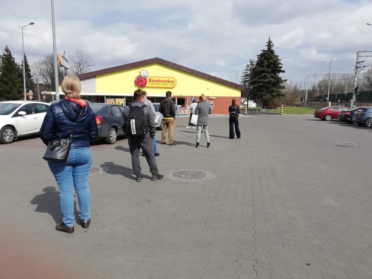 В очереди в супермаркет теперь можно провести 15-25 минут