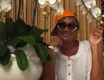 60-летняя Лариса Копенкина зажигает в бикини