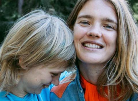 Наталья Водянова поведала о положительных изменениях в жизни «особенной» сестры
