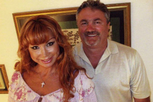 Артистка с супругом