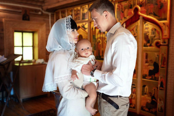 Нелли и Кирилл крестили сына