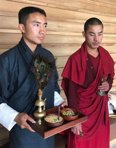 Монахи Бутана