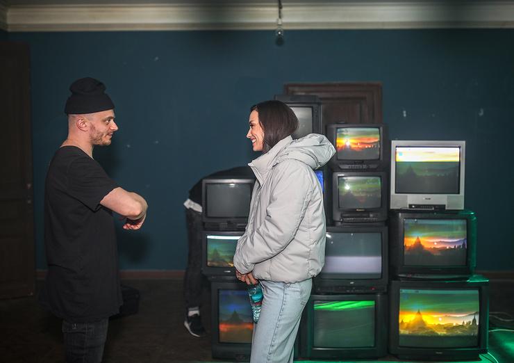 Гарик помог Вике снять клип на новою песню