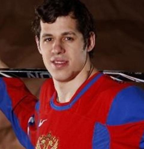 Центральный нападающий клуба НХЛ Питтсбург Пингвинз и сборной России Евгений Малкин