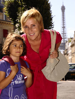 Дочь Жанны Агалаковой учится в Париже.