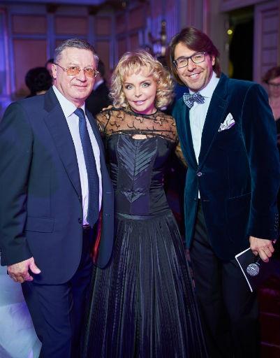 Екатерина Диброва (президент корпорации RHANA) с супругом Борисом Дибровым и Андрей Малахов