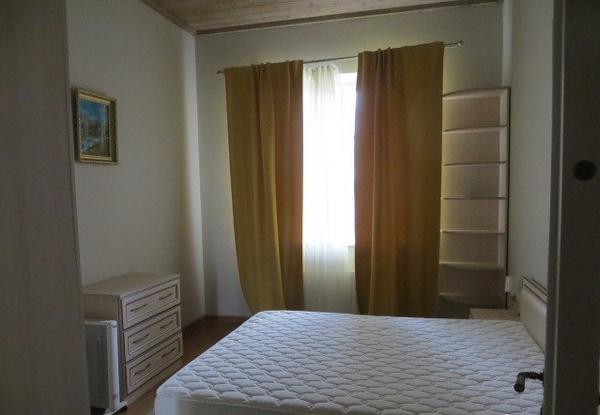 Одна из пяти спален дома