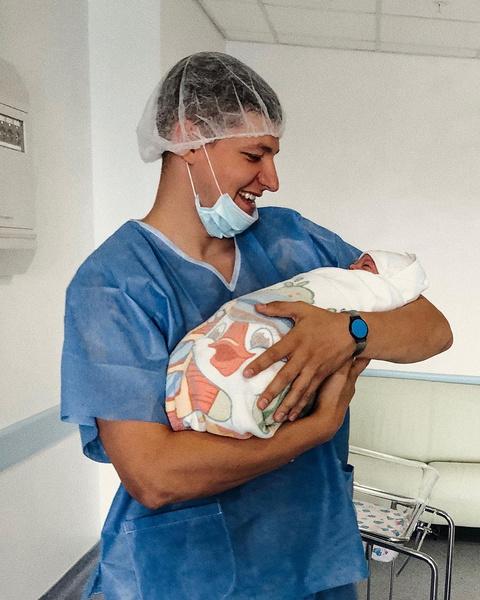 Александр Сухоруков с малышом
