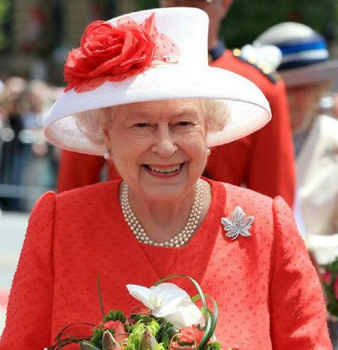 Королева отмечает день рождения