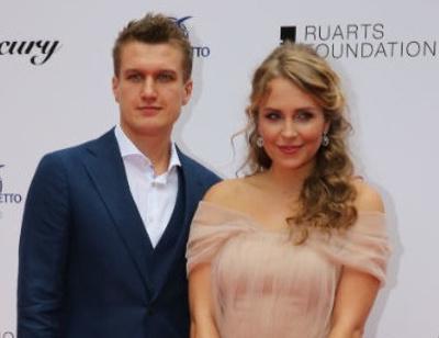Жена Анатолия Руденко прокомментировала слухи о беременности