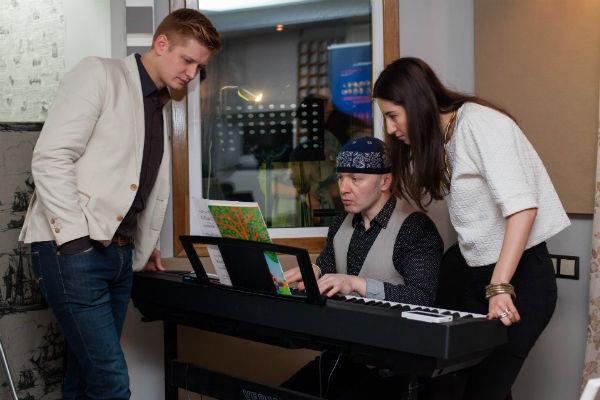 Звезды шоу «Голос» и артисты эстрады дадут предновогодний гала-концерт «Голос любви . LIVE4LOVE»
