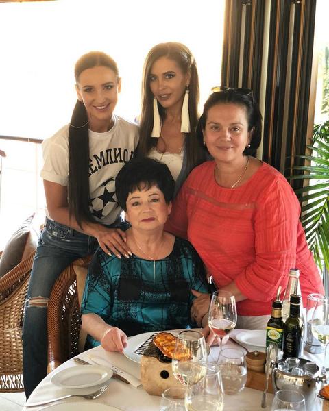 После ограбления вся семья поддерживала Ирину Александровну