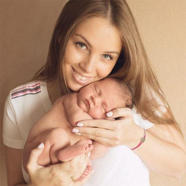 Накануне Полина опубликовала новое фото с маленьким Илюшей