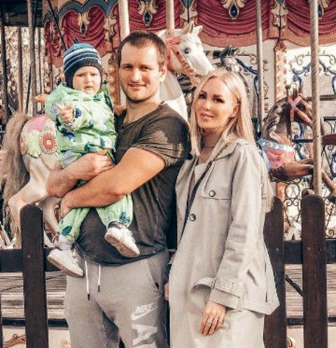Алексей Самсонов, Юлия Щаулина и их сын Мирон