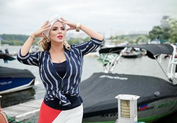 Анна Семенович представила клип с Дмитрием Губерниевым после слухов об их романе