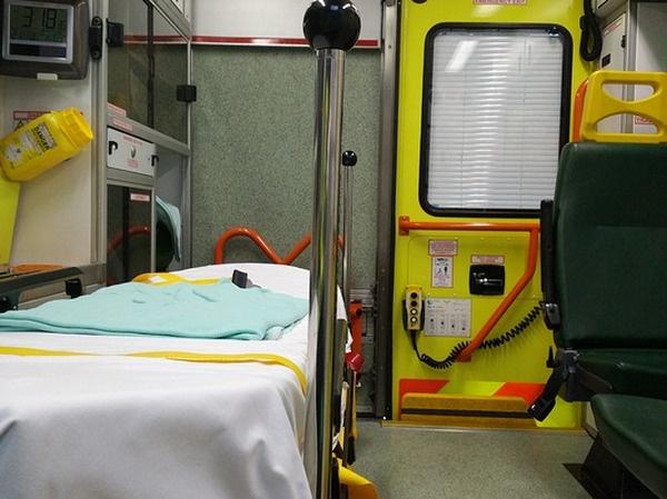 В ожидании приезда врачей соседи подростка оказали ему первую медицинскую помощь