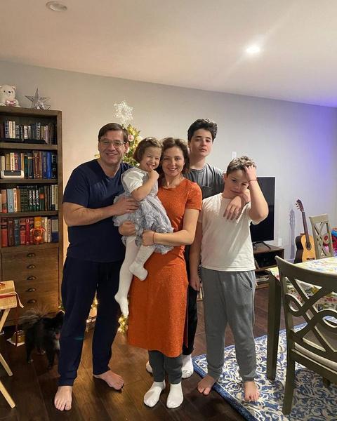 Актриса с мужем Всеволодом воспитывает троих детей