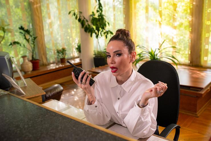 Айза Анохина дебютировала в роли актрисы
