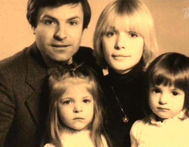 В конце 80-х брак актрисы с Родионом Нахапетовым рухнул