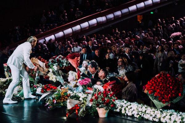 Новости: Николай Басков попросил прощения во время концерта – фото №5