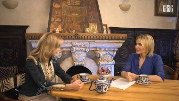 Вика Цыганова пригласила ведущую программы к себе домой