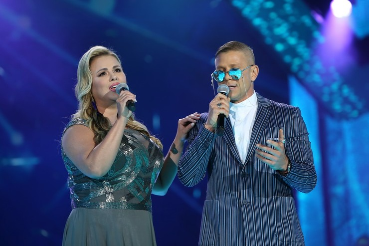 Анна Семенович и Митя Фомин спели дуэтом