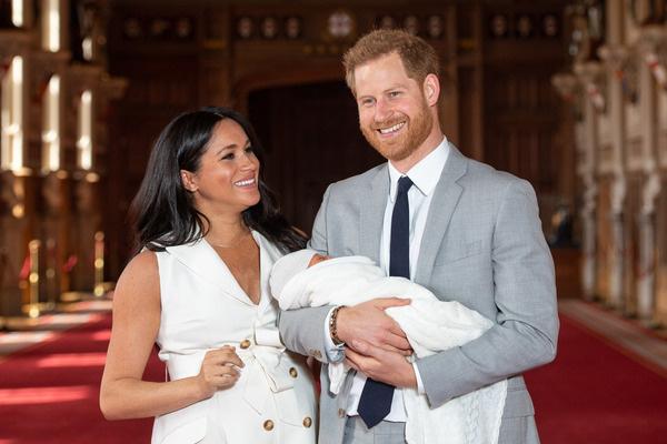 Супруги воспитывают сына Арчи