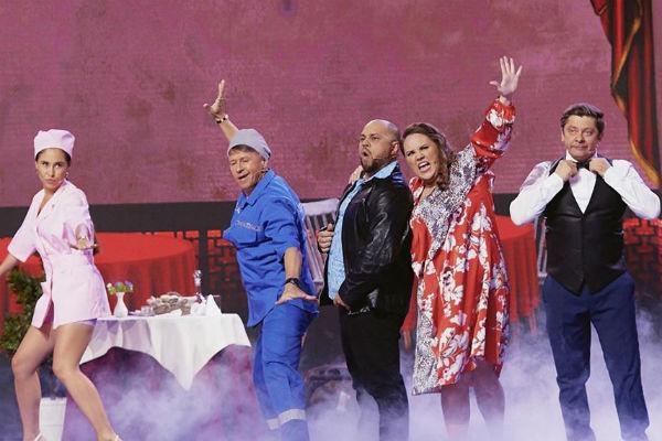 Ксения близко дружит со всеми коллегами по «Уральским пельменям»