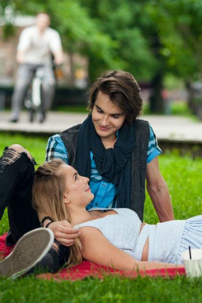 Сейчас Алексия больше времени уделяет музыке и учебе, а не личной жизни/ На съемках клипа с Никитой Киоссе