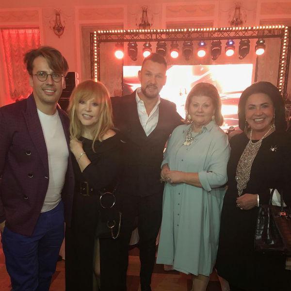 Гости на юбилее Ирины Муравьевой
