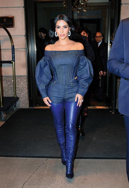 Ким Кардашьян на прогулке в Нью-Йорке