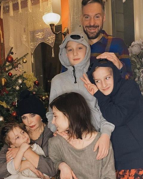 Татьяна Васильева встречает Новый год с семьей